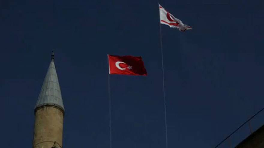A ilha de Chipre encontra-se dividida desde 1974