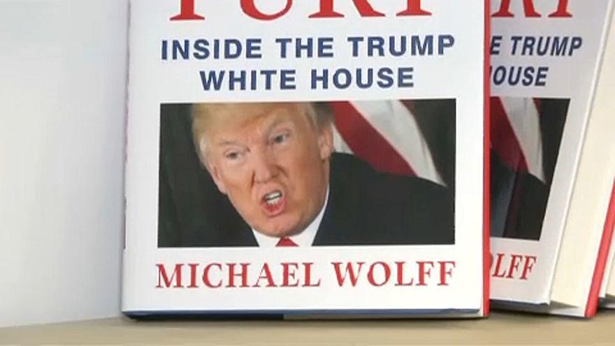 Megbuktathatja Trumpot a botránykönyv?