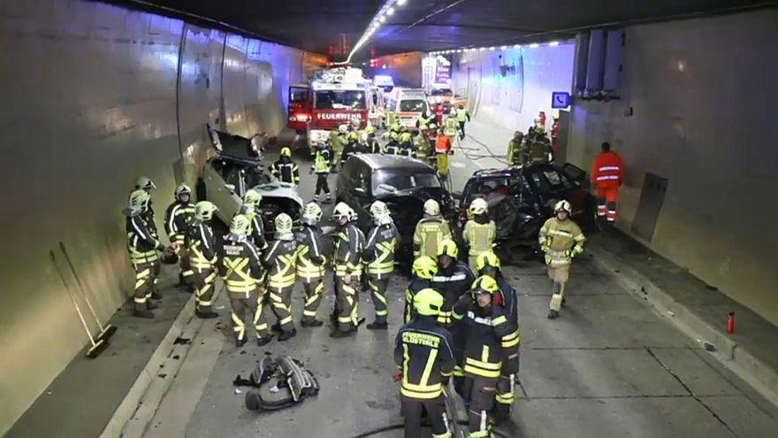 Österreich: 11 Verletzte bei Unfall im Arlbergtunnel