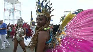 Brasileiros antecipam Carnaval