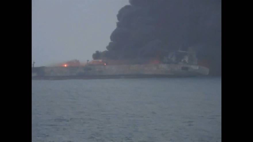 Cina: rischia di esplodere la petroliera iraniana in fiamme