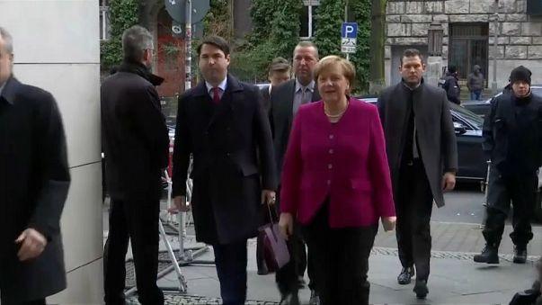 Merkel intenta de nuevo formar gobierno