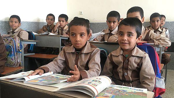 Ιράν: Απαγορεύτηκε η διδασκαλία αγγλικών στα δημοτικά σχολεία