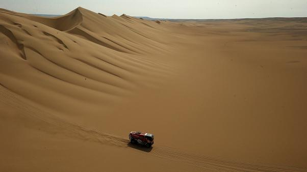 Ράλι Ντακάρ, ημέρα 2: Στην κορυφή η Peugeot
