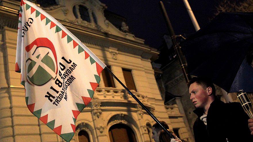 15 napja van a Jobbiknak, hogy fizessen