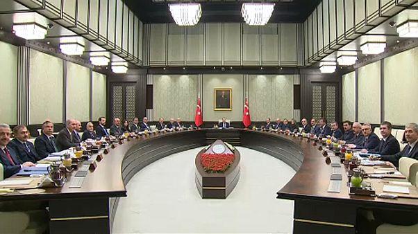 Turquia anuncia prolongamento do estado de emergência