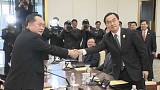 بدء أول محادثات رسمية بين الجارتين الكوريتين بعد انقطاع أكثر من عامين