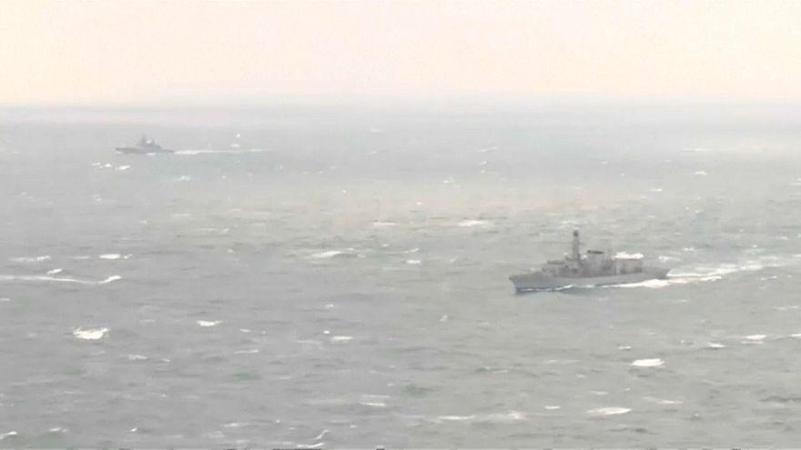 Британский эскорт для российских кораблей