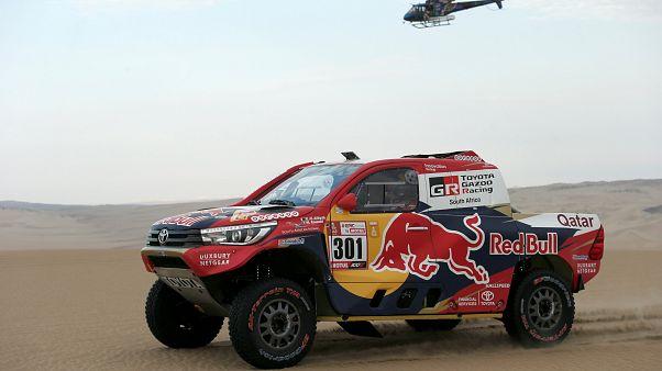 """""""Дакар"""": Peugeot и """"Камаз"""" - в лидерах"""