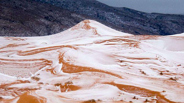 عندما تحتضن رمال الصحراء الجزائرية الثلوج القادمة من الشمال