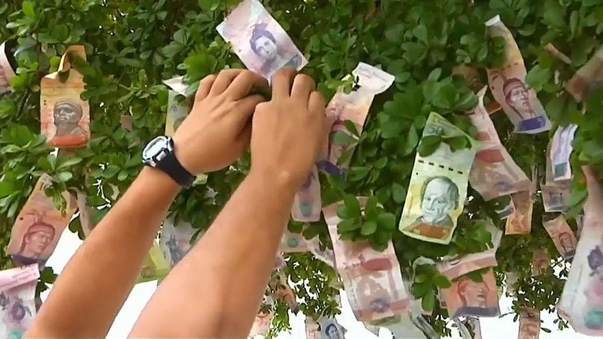 Венесуэлу захлестнула гиперинфляция