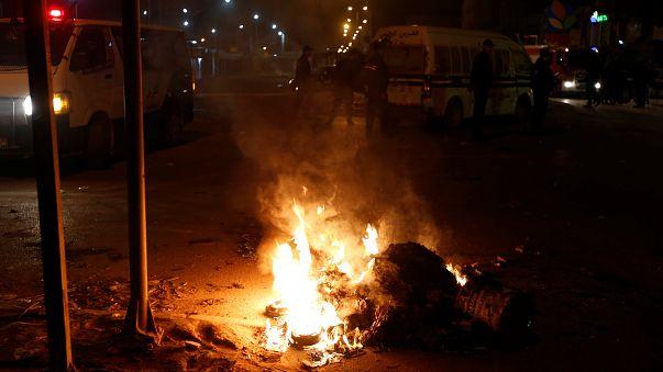 اضطرابات جديدة في تونس وأنباء عن لجوء محتجين إلى الحدود الجزائرية