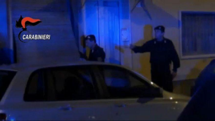 Százával tartóztatták le a maffia tagjait