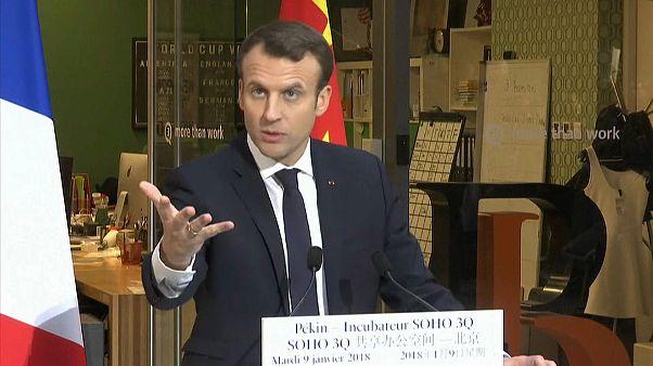 Macron in Cina: riequilibriamo gli scambi economici