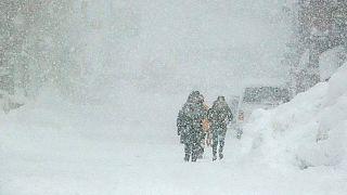 İtalya-İsviçre sınırında yoğun kar yağışı