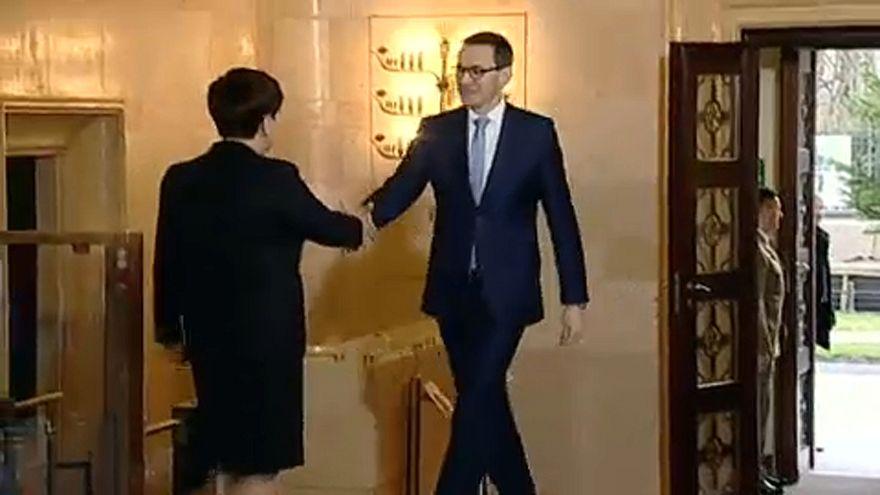Ue-Polonia, operazione distensione: Morawiecki incontra Juncker