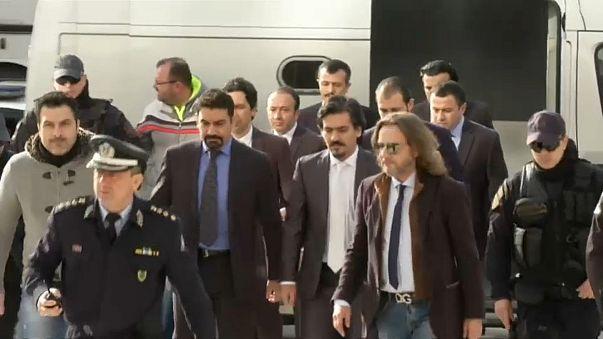 Battaglia legale sui militari turchi riparati in Grecia