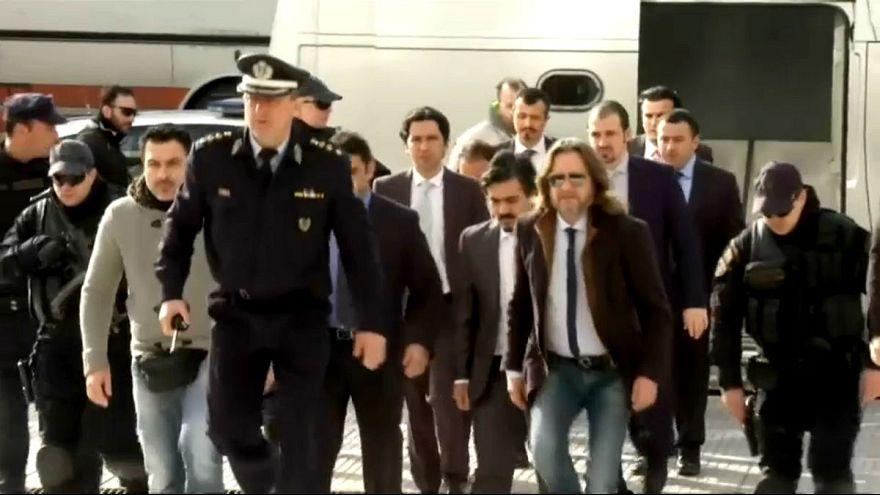 Yunanistan'a kaçan asker yeniden gözaltına alındı