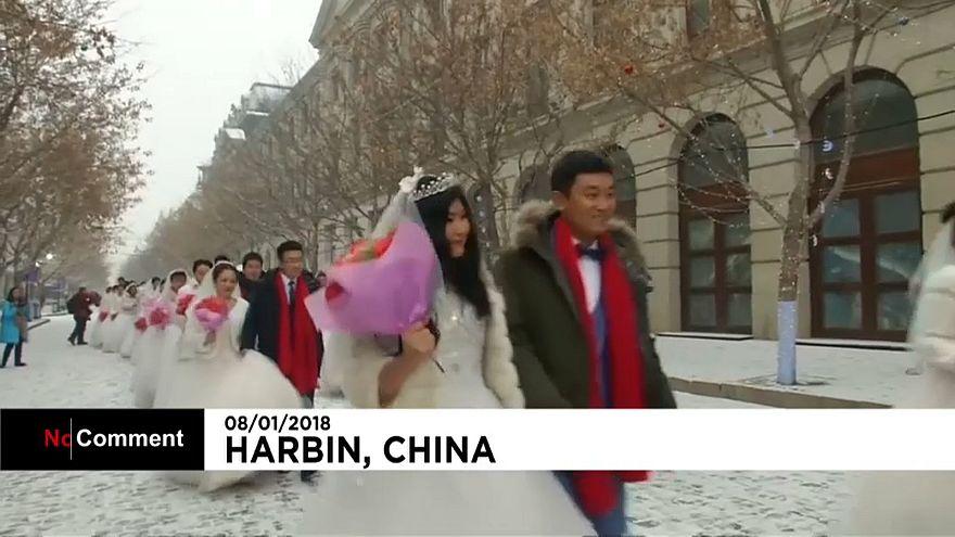 'Casados de fresco' em Festival do Gelo na China