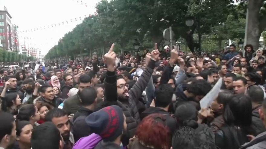 Proliferan las protestas en Túnez tras la muerte de un manifestante