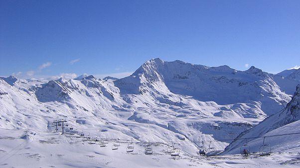 گردشگر بریتانیایی در کوههای پر از برف فرانسه گم شد