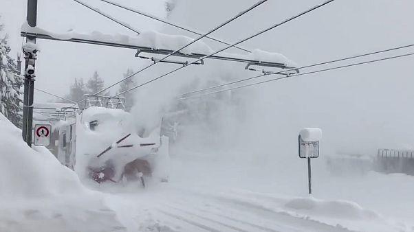13.000 Urlauber sitzen im Ski-Ort Zermatt fest