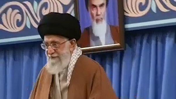 Ali Khamenei diz que plano inimigo contra o Irão caiu por terra