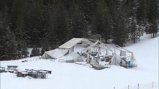 Yoğun kar yağışı kayak istasyonlarını da vurdu