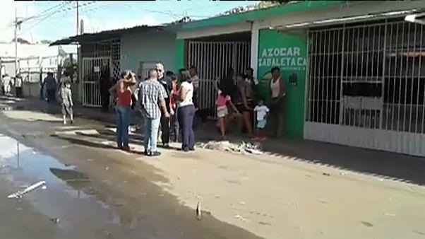Pilhagens e protestos na Venezuela