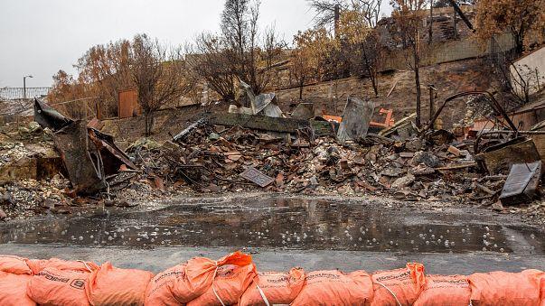 Chuva e lama fazem mortos na Califórnia