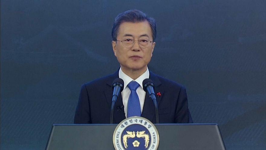 """Desnuclearização é """"caminho em direção à paz"""" - Presidente da Coreia do Sul"""