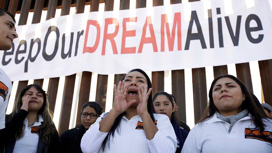 """Juiz Federal suspende decisão de Trump sobre os """"dreamers"""""""