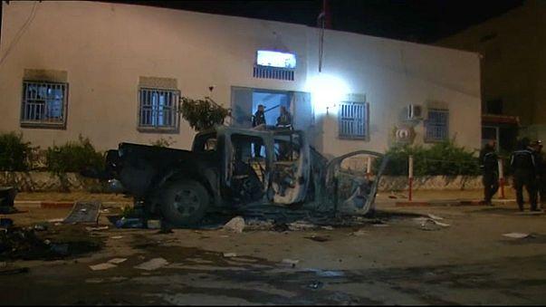 إضرام النار في كنيس في جربة على وقع احتجاجات الشارع