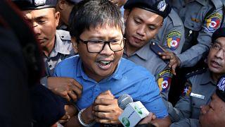 Les deux journalistes de Reuters restent en prison