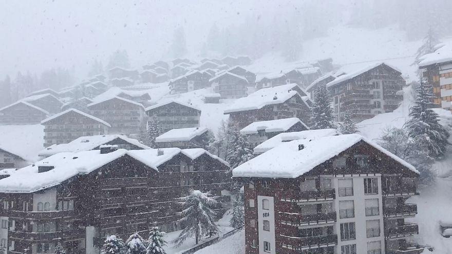 Туристы застряли на горнолыжном курорте