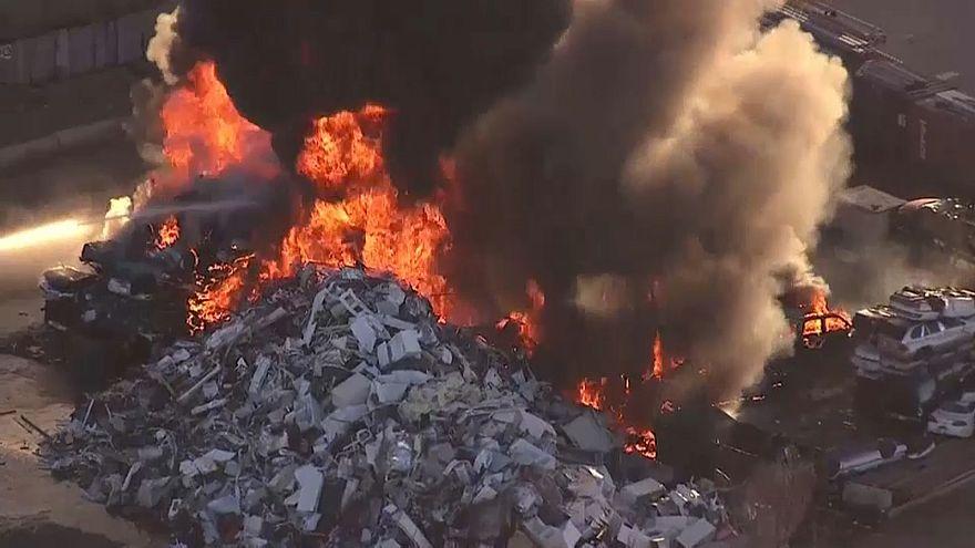 Fire rips through Denver recycling plant