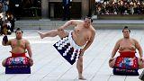 کشتیگیران غولپیکر ژاپنی مراسم سالانه کشتی سومو را در توکیو اجرا کردند