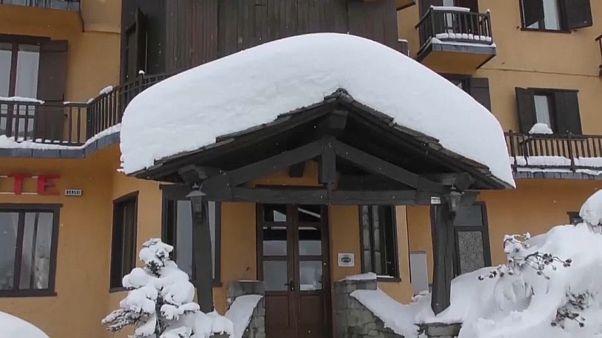 Schneechaos in den Alpen