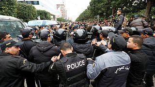Tüntetőket tartóztattak le Tunéziában