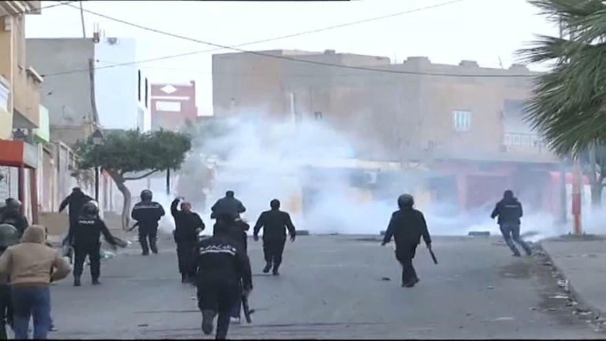 200 detenidos y decenas de heridos en otro día de protestas en Túnez