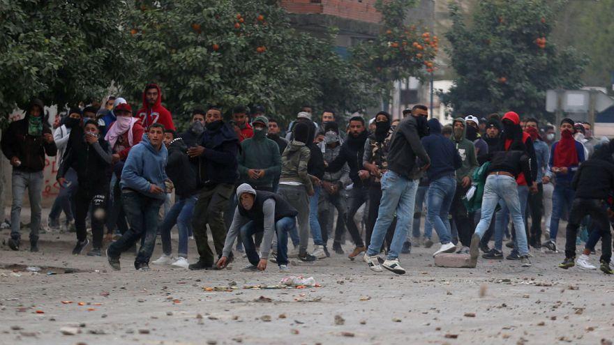 Tunus'ta 200'den fazla eylemci gözaltına alındı
