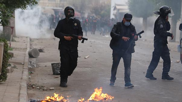 Hundreds arrested as clashes rock Tunisia