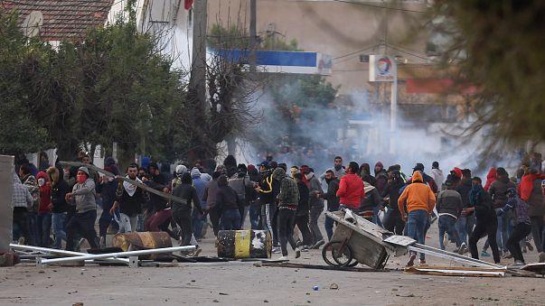 Тунисцы протестуют против дороговизны и безработицы