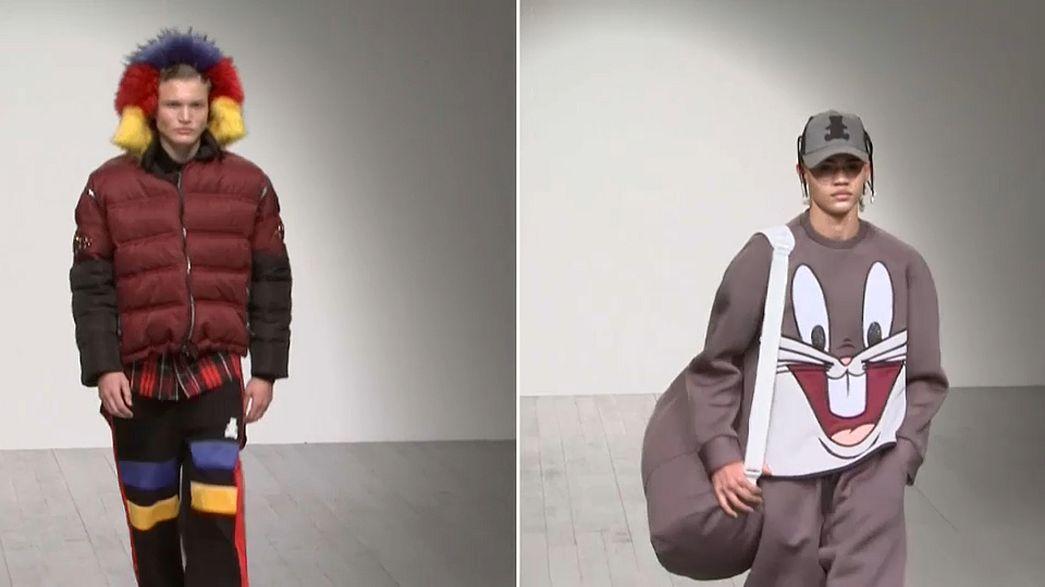 Londra: moda uomo con fumetti