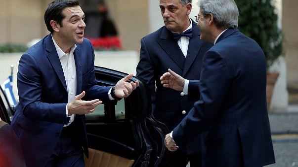 Tsipras e Gentiloni antes da cimeira da Europa do sul