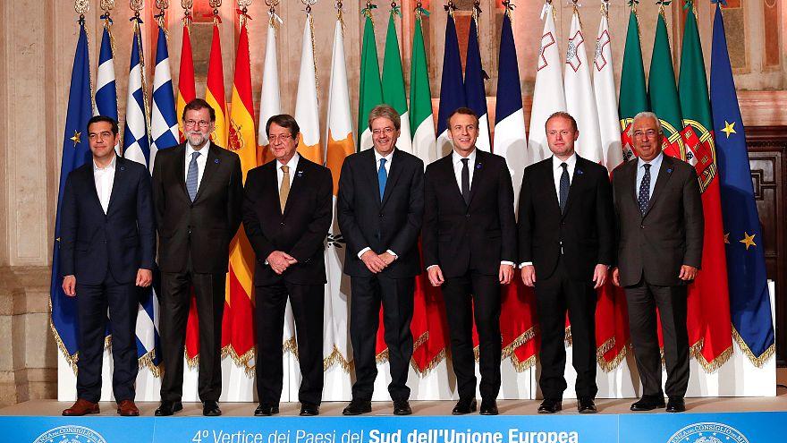 Los líderes del Med7 posan para la foto de familia