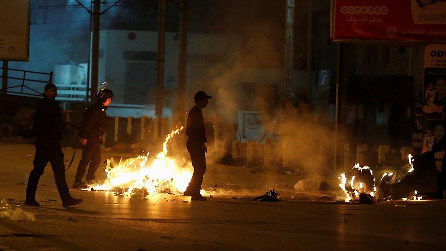Quatrième nuit de contestation en Tunisie