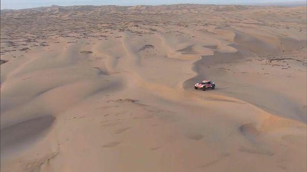 Peterhansel es más líder de un Dakar que no perdona