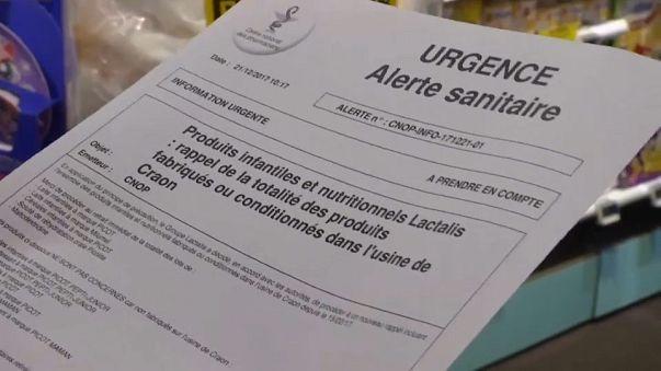 Aumenta o escândalo do leite de bebé contaminado à venda em França