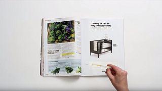 Test di gravidanza in pagina, Ikea invita a fare pipì sulla pubblicità per lo sconto culla